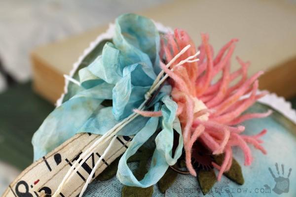 Tammy Tutterow   Felt Flower Gift Heart 18