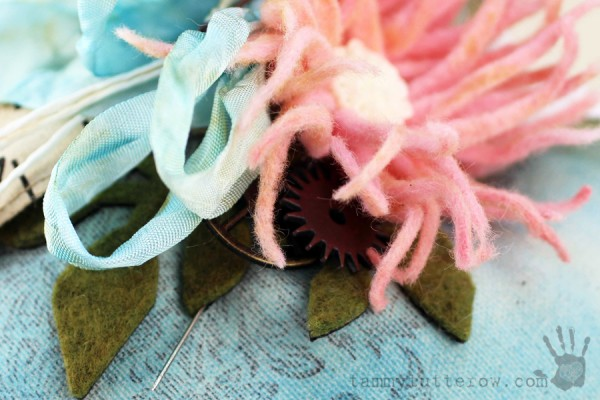 Tammy Tutterow | Felt Flower Gift Heart 19