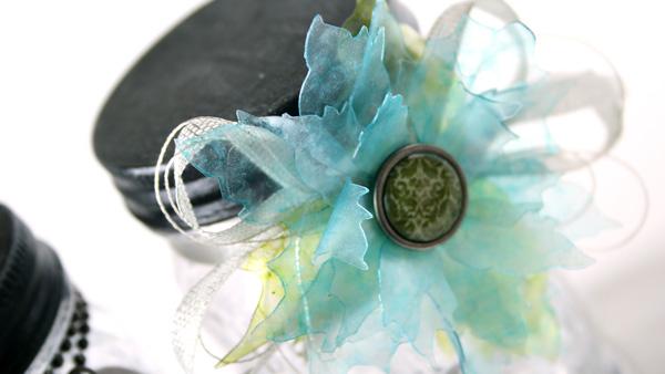 Shari-Carroll-Jars-Poinsettia-Detail-600